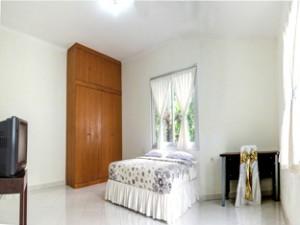hotelhouseofeva.com