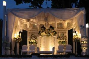 dekor gedung pernikahan